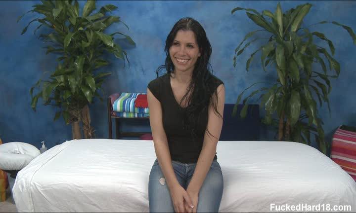 Rebecca Linares pour un massage hardcore