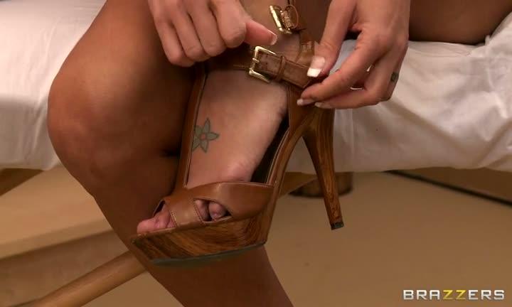 Jessica Jaymes chez le masseur