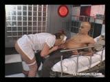 Une infirmière qui se fait enculer