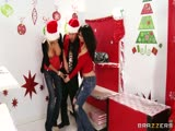 Diana Prince et Puma Swede fêtent Noël