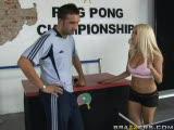 Une partie de ping pong