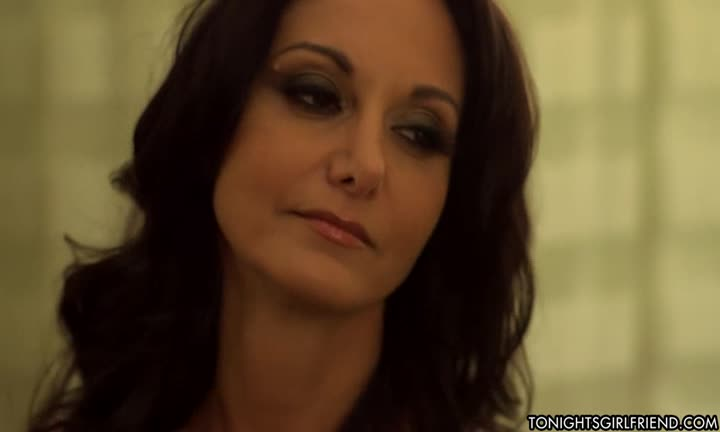 Ava Addams a besoin d'une grosse bite