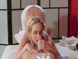 Cristin Caitlin prend une belle éjac dans le cul