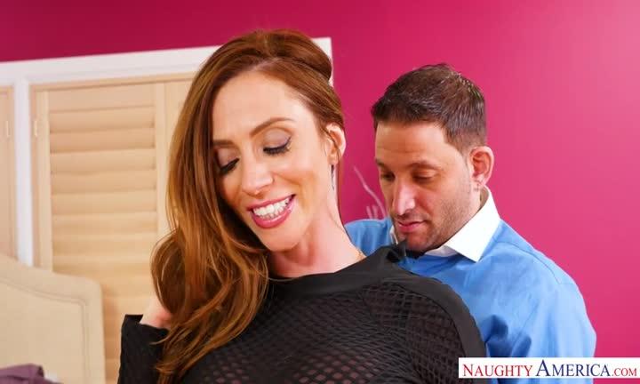 Ariella Ferrera se fait baiser devant son mari