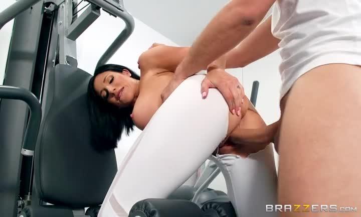 Jaclyn Taylor fait une pause sexe pendant sa séance de sport