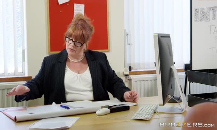 Nicolette Shea passe un test de concentration