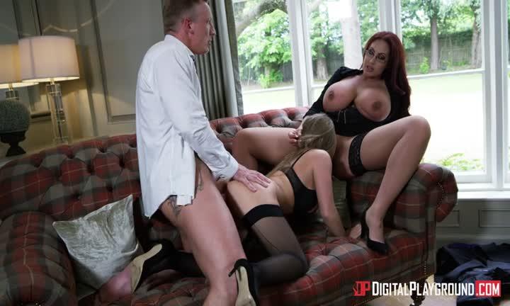 Emma Butt adore le sexe à trois