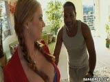 Sophie Dee et un black