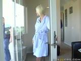 Hanna Hilton se fait pénétrer par son amant